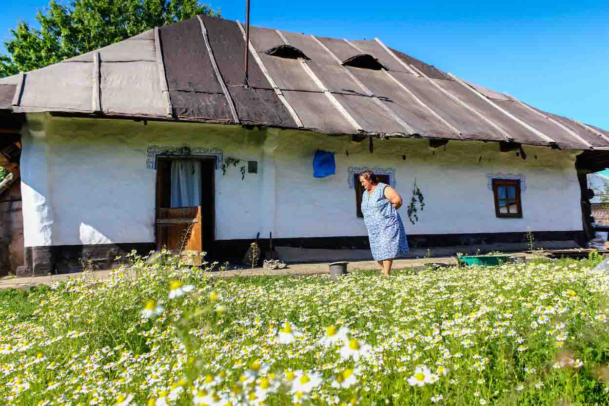 Romanian Traditional House Still Standing After 250 Years